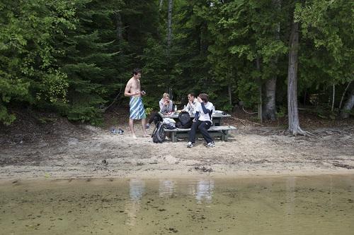 Pique-nique dans la réserve de Papineau-Labelle