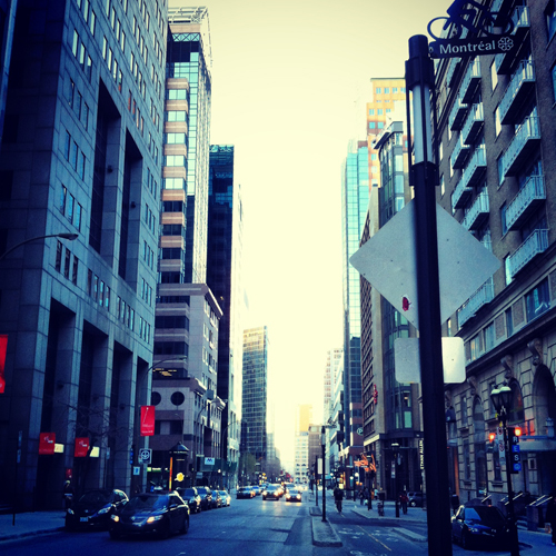 En sortant du parc : la rue Peel