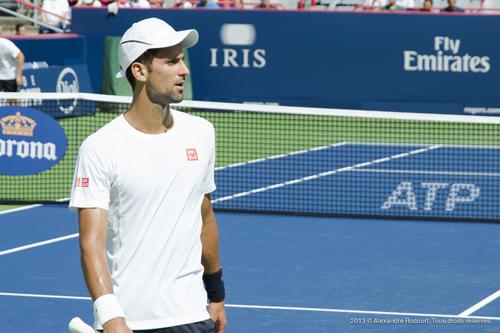 Djokovic concentré. 2013 © Alexandre R. Tous droits réservés.