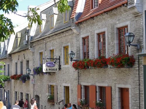 Jolie ruelles, on se croirait en Bretagne.