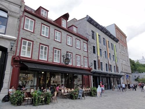 Terrasse sur la Place Royale
