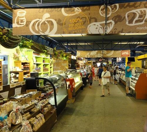 L'intérieur du marché