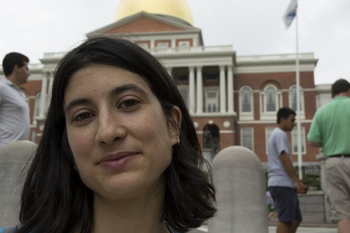 Marion devant la Massachusetts State House