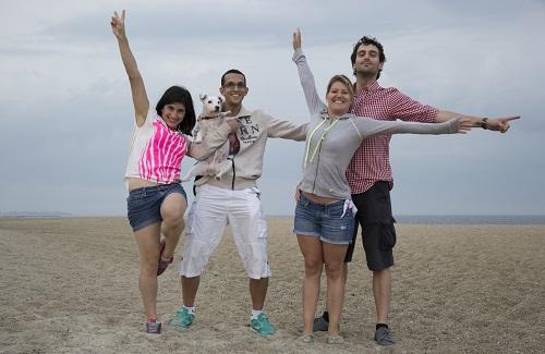 L'équipe au complet sur la plage !