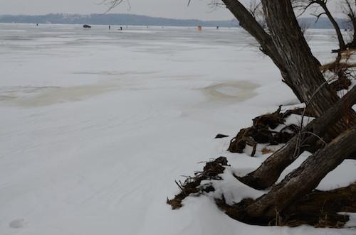 Une sensation étrange de pouvoir marcher sur un lac glacé