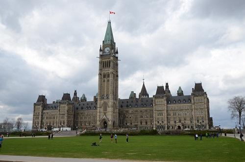 La colline du parlement avec comme son nom l'indique : le parlement !