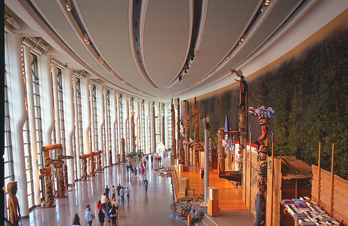 La grande galerie des premiers peuples