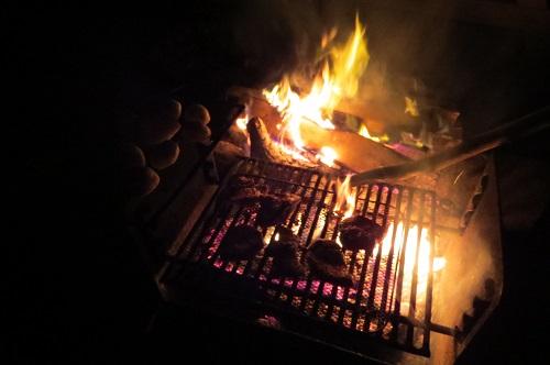 Et viande sur le grill